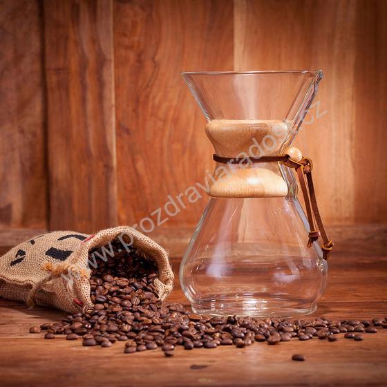 Chemex se zrnkovou kávou